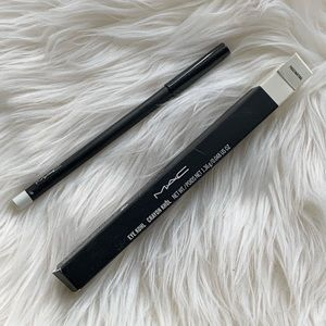 BNWB Mac cosmetics eyeliner in fascinating